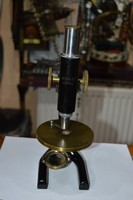 Osztrák mikroszkóp