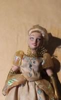 Porcelán baba porcelán testű