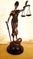 Justitia bronz szobor  (45cm magas)