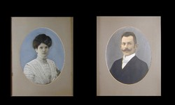 Fiatal férfi fotója / Fiatal nő fotója
