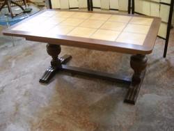 Emelhető csempelapos asztal eladó!