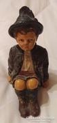 Johann Maresch - ülő kisfiú szobra