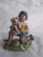 Terrakotta kerámia bohóc a macijával