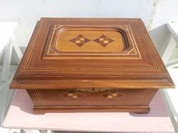 Szecessziós  fa doboz