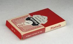 0N895 32 lapos PIATNIK magyarkártya dobozában