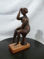 AA38 Balás Eszter ülő női akt szobra