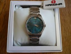 Hanowa egy gyönyörű svájci óra türkiz színű számlappal