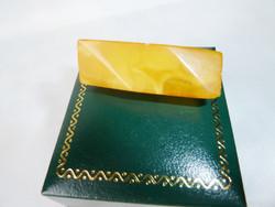 Antik borostyán bross 9k arany szerelékkel