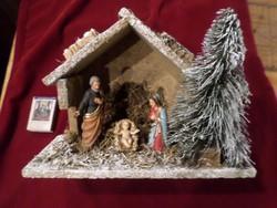 Kedves kis Betlehem . Alapja 24 x 10 cm , 17 cm magas .