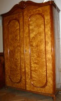 2 ajtós habos kőris neobarokk szekrény