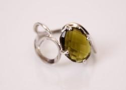 Kecses formájú, zöld köves ezüst női gyűrű