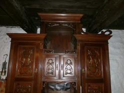 Ó-Német tipusú Ebédlő szekrény az 1900-as évekből.
