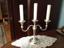 Háromágú gyertyatartó - klasszikus stílusban - ezüst szinű