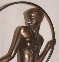 """Czobor Sándor """"Lány karikával"""" c. bronz kisplasztikája eladó eredetigazolással"""