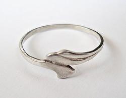 Vékony ezüst gyűrű
