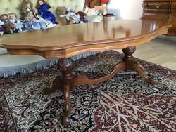 Barok fargott lábú dohányzó asztal eladó 140x75x55cm