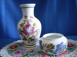 Városlődi kézzel festett kerámia, majolika váza 19 cm és kínáló tál