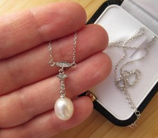 Vékony ezüst nyaklánc, nyakék tenyésztett gyöngy és cirkónia  új ékszer