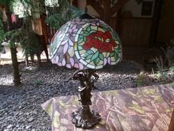 70 cm magas, 40 cm átmérőjű nőalakos Tiffany lámpa.