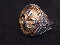 antik aranyozott ezüst gyúrú , 3 db gyémánt kövel .