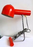 Retro asztali lámpa mozgatható fejrésszel.