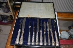 10 darab különféle ezüst kés és villa