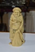 Kínai műgyanta figura