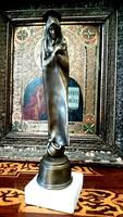 Melocco Miklós: Szent asszony bronz szobor