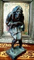 Quasimodo bronz szobor