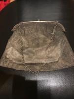 Ezüst színházi táska ,lila kővel díszítve eladó!Ara:48500
