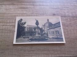 Miskolc Városrészlet a Kossuzh szoborral