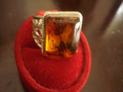 Extra nagy Borostyán köves gyűrű