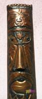 Délafrikai vörösréz szertartásimaszk, kalapált, és szegecselt elemekkel, üveg szemekkel