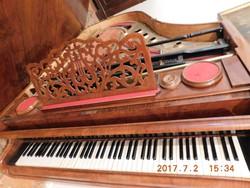 Bőzendorfer zongora