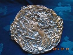 Ernst Wahliss után-Szecessziós-Női portré liliomokkal-bronz relief-27 x 29 cm