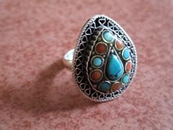 Türkizzel és korallal díszített ezüst gyűrű