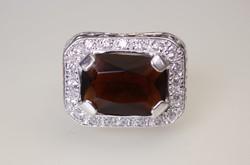 Borostyán színű köves ezüst női gyűrű
