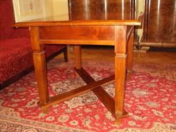 Antik asztal - ebédlőasztal !