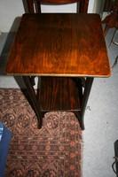 Thonet asztalka