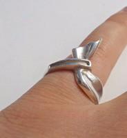 Szalag mintás női ezüst gyűrű