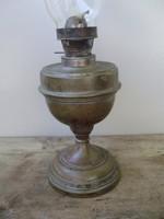 Régi fém petróleum lámpa
