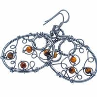 Egyedi kézműves  925 ezüst fülbevaló tigris szem kövekkel
