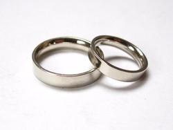Fehérarany karikagyűrű pár,  10,45 gramm.