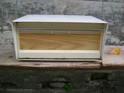 Retro zománcozott fali tároló szekrényke