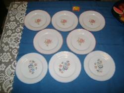 Nyolc darab porcelán süteményes tányér