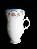 Gyönyörű angol csésze