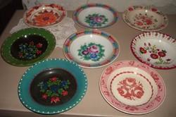 8-darab festett fali tányérok
