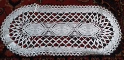 52 x 22 cm ovális, fehér csipke terítő V