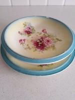 Porcelán, virágos szűrő és tányér