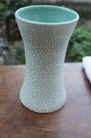 Gorka jellegű repesztett mázas váza.